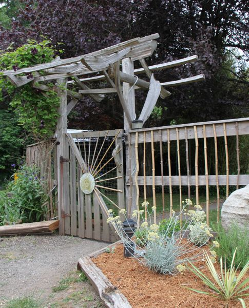 Island House and Garden Tours…..